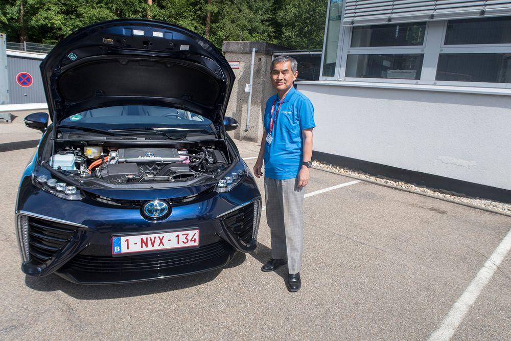 Mirai: Taiyo Kawai har ledet Toyotas utvikling av brenselcellen siden 2001. Han har stor tro på at de vil klare å redusere prisen til en fjerdedel i løpet av de neste ti årene og at de vil klare å øke virkningsgraden betydelig i den samme perioden.