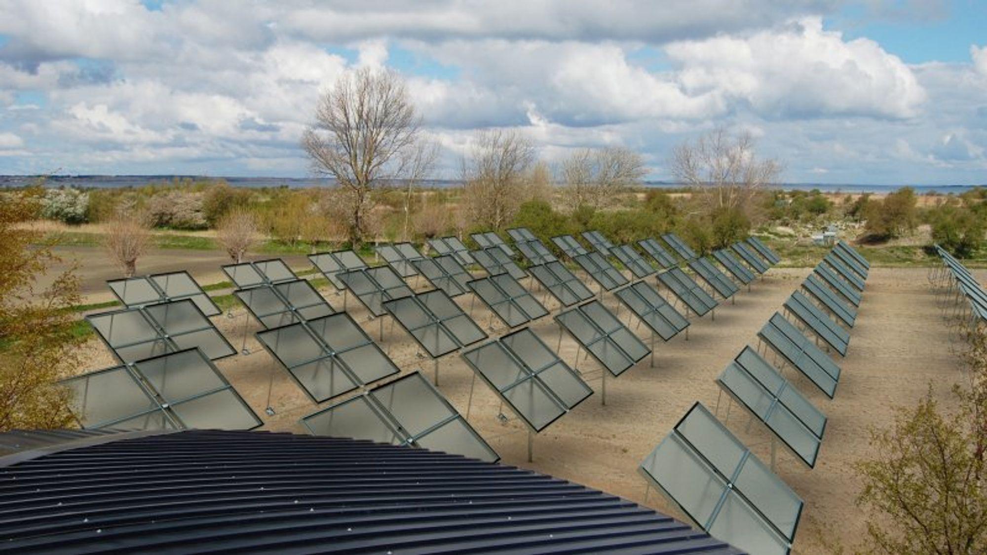 Solfangere utviklet av danske Heliac fokuserer solenergien ved hjelp av en plastfolie.
