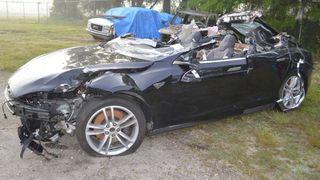 Tesla-sjåføren som omkom kjørte i seks minutter uten hendene på rattet