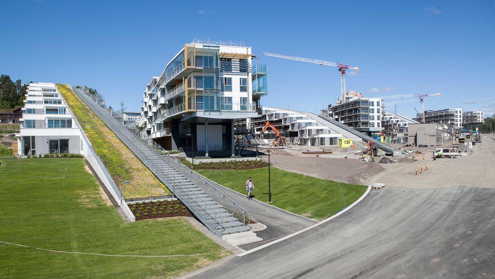 De første to av totalt 16 hotellbygg er ferdige og klare til bruk denne sommeren. Når hele anlegget er ferdig vil det inneholde 95.000 kvadratmeter med hotell- og konferansesenter.