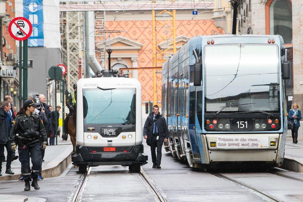 Demonstrasjon av en selvkjørende buss i forbindelse med IKT-Norges årskonferanse i Oslo tidligere i år. Foto: Håkon Mosvold Larsen / NTB scanpix