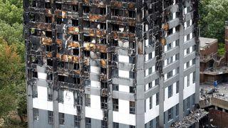 Tyske myndigheter evakuerer bygg etter Londonbrannen
