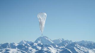 Ballonger og soldrevne fly med kurs mot stratosfæren