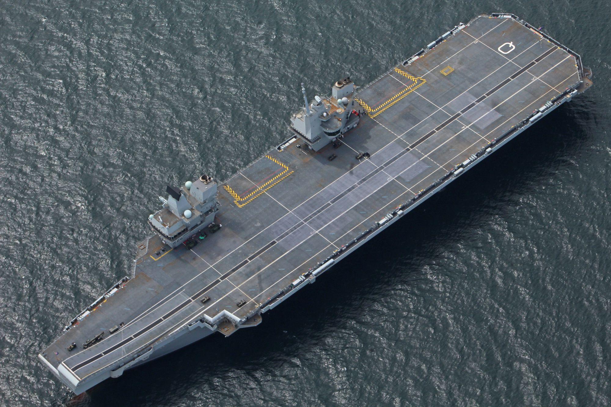 Bare midlertidig: Windows XP-systemene ombord i det nye hangarskipet HMS Queen Elizabeth skal skiftes ut før skipet settes inn i tjeneste.