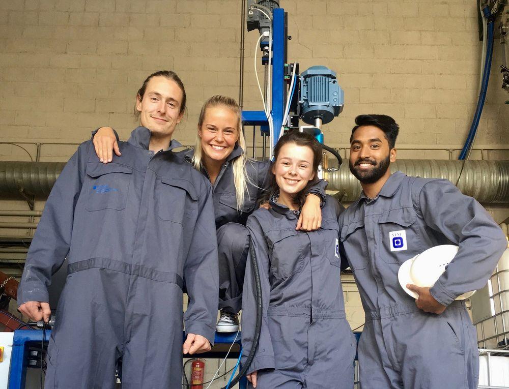 Martin Aagaard Olsen, Runa Linn Egeland, Astrid Lescoeur, og Mayuran Vasantharajan kom på andre plass i Drillbotics-konkurransen med sin autonome borerigg.