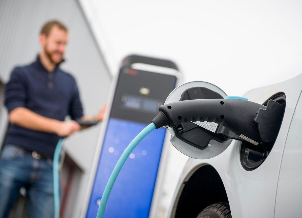 Bruke strømmen mer effektivt: Elbilen utnytter energien særdeles effektivt, men det er mer å gå på.
