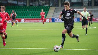FEKK STARTE: Med Ole Amund Sveen og Martin Ramsland ute med skade vart det plass til Fredrik Flo i startoppstillinga til Sogndal.