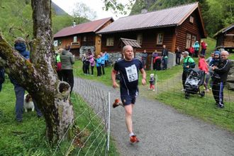 300 LØPARAR: Over 300 var påmeldt til Vettisløpet frå Skåri til Vetti og tilbake.