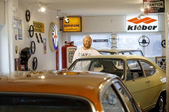 KVARDAGSBILAR: På Rud i Bærum sel Bård Risan kvardagsbilar frå 60-, 70- og 80-talet.