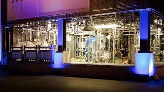 Skal suge CO2 fra lufta for å lage klimavennlig diesel på Herøya