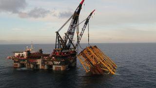 Her er det 26.000 tonn tunge stålunderstellet til Johan Sverdup i Nordsjøen