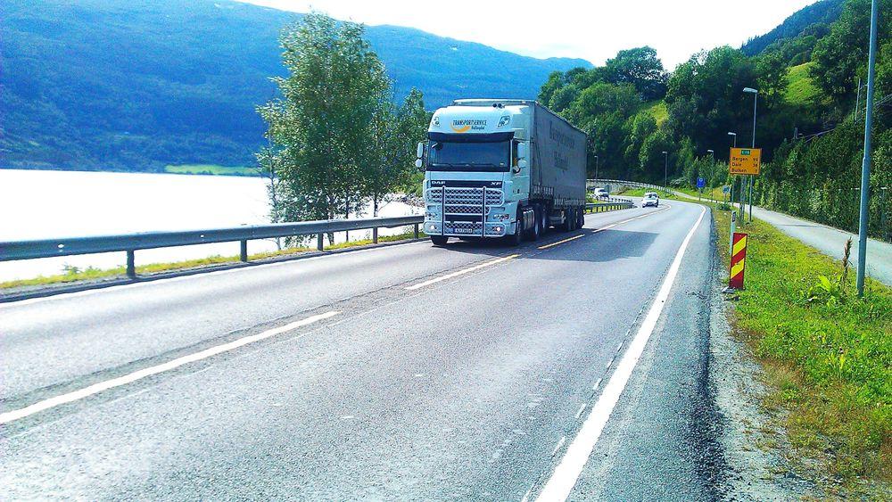 Rumlefelt i veien har flere positive effekter. Det viser seg å redusere antall ulykker med 60 prosent, samt redusere vedlikeholdsbehovet av veimerking langs veiene.