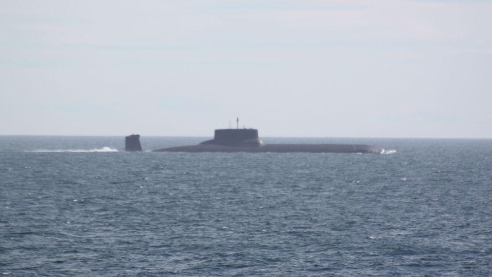 Verdens største atomdrevne ubåt, russiske Dmitrij Donskoj, er igjen på vei mot norske farvann.