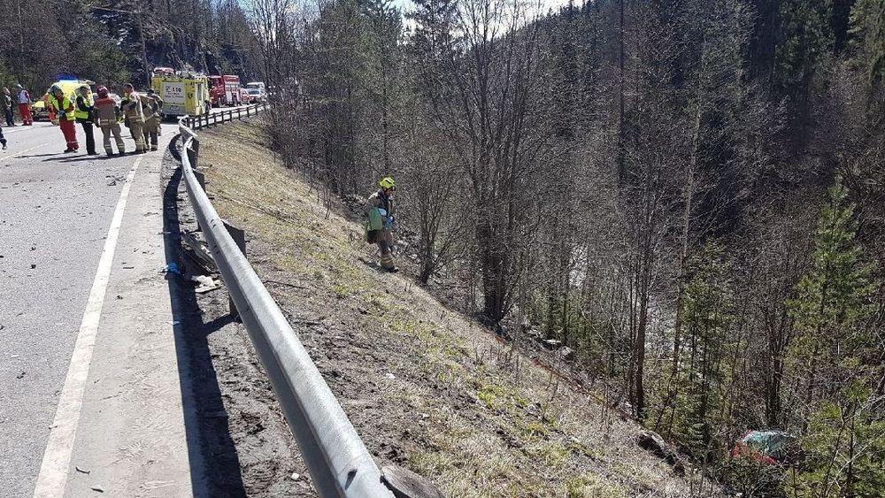 En 19 år gammel jente fra Hurum omkom etter en frontkollisjon med en Tesla i Grodalen i Røyken i april i år.