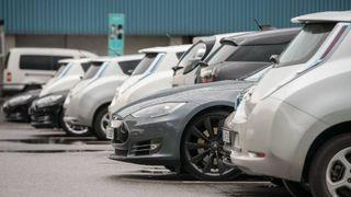 Dette skal til for at alle nye biler i 2025 er fossilfrie