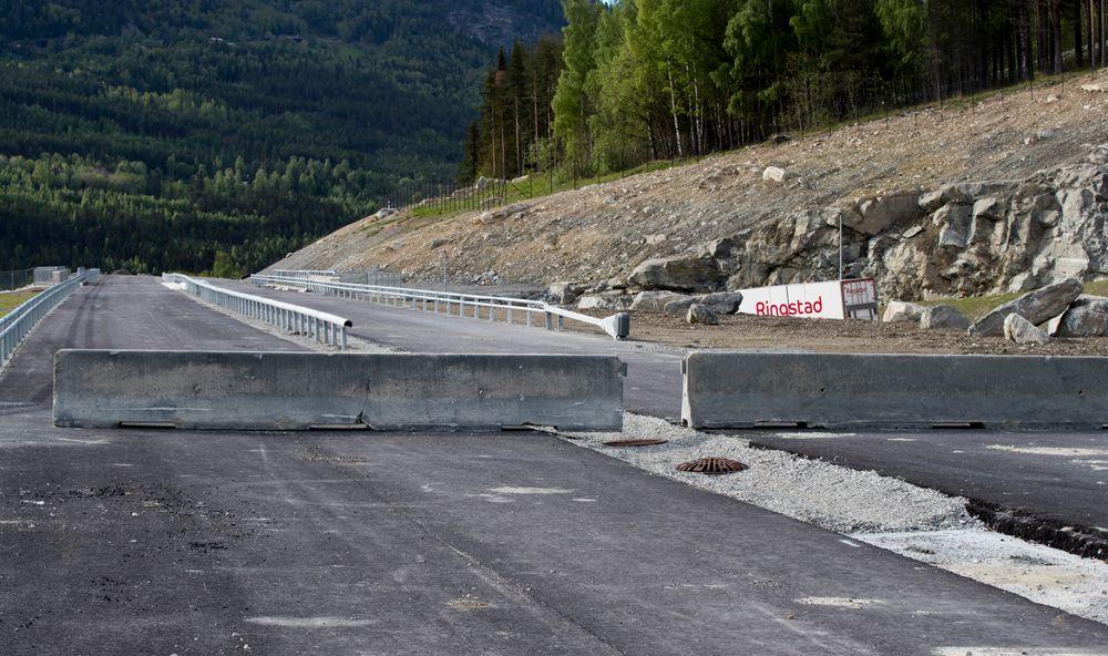 Deler av nye E6 ut midt i Gudbrandsdalen er bygget ut, nå ser vegvesenet og Nye veier på muligheter for å redusere kostnadene i resten av utbyggingen.