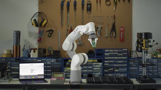 Lettvektsrobot til 40.000 kroner begeistrer robotforsker