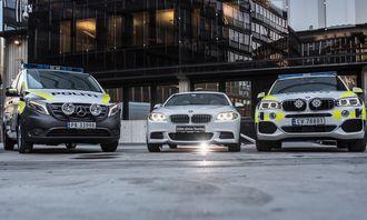 NYE: Nye politibiler, her ved Mercedes Vito, BMW 525 og BMW X5, sendes ut i distriktene i år - etter en ekstratildeling fra regjeringa.