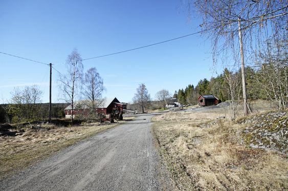 I DAG: Slik ser det ut på Taraldrud gård i dag. Her skal det nye beredskapssenteret bygges.
