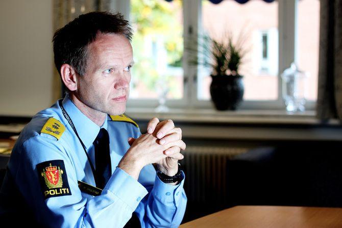 Håkon Skulstad, leder for Prosjekt nye politidistrikter i POD, lover et dokument - men først etter klagefristen er gått ut.