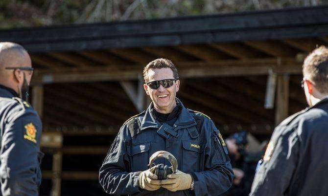 Kai-Inge Schaathun Larsen, politioverbetjent ved Operativ seksjon på Politihøgskolen, er fornøyd med antallet som består prøvene.