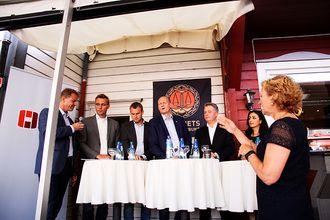 DEBATT: Justisdebatt mellom forbundsleder Sigve Bolstad, Ola Borten Moe (Sp), Kjell Ingolf Ropstad (Krf), Anders Werp, (H), Per-Willy Amundsen (Frp) og Hadia Tajik (Ap). Debatten ble ledet av Trude Teige, kjent fra TV2.