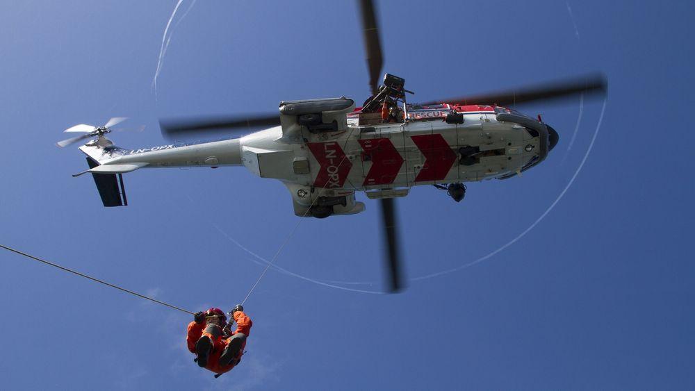 Fra fredag skal CHC Helikopter Service drive redningstjenesten på Florø med dette AS332L1 Super Puma awsar-helikopteret.