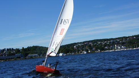 Norske Autonomus kjemper om å bli verdensmester i seiling. Uten mannskap