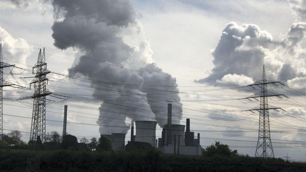 Elektrifisering bidrar til å dempe utslipp av klimagasser i framtida. Energibehovet vil flate ute i 2030, spår DNV GL i trendrapporten Energy Transition Outlook.