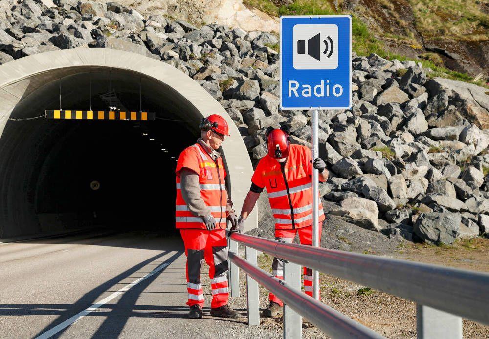 Det er mange tuneller som ikke har hatt FM-sendere, og det er derfor mange tuneller som ikke kommer til å få dab-sendere, sier beredskapssjef i NRK, Øyvind Vasaasen. Foto: NRK