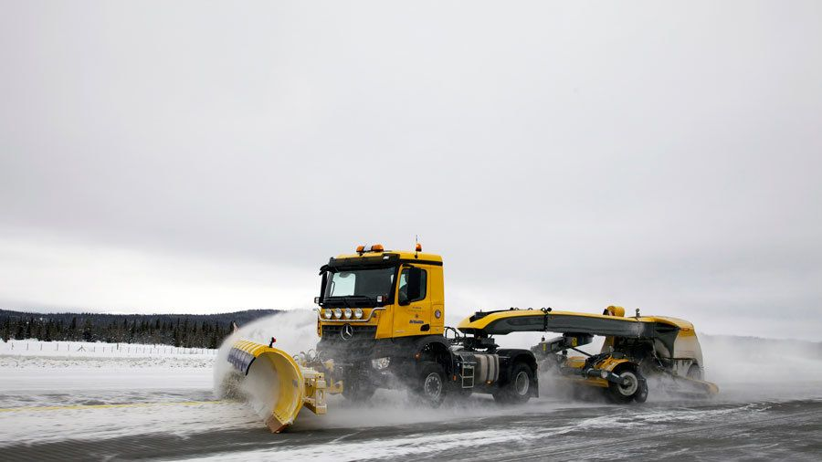 Flyplassbrøyting automatiseres med norsk snow-how
