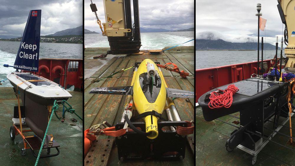 De tre undervannsdronene er fra forskjellige leverandører. En dykkende Seaglider, produsert av Kongsberg Maritime (i midten), en Sailbuoy, produsert av Offshore Sensing (til venstre) og en Wave Glider operert av Maritime Robotics.