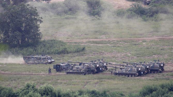 Koreanske K9 Thunder skyter skarpt på en øvelse nær den demilitariserte sonen i Paju 5. september som ledd i en maktdemonstrasjon etter Nord-Koreas atomprøvesprengning.