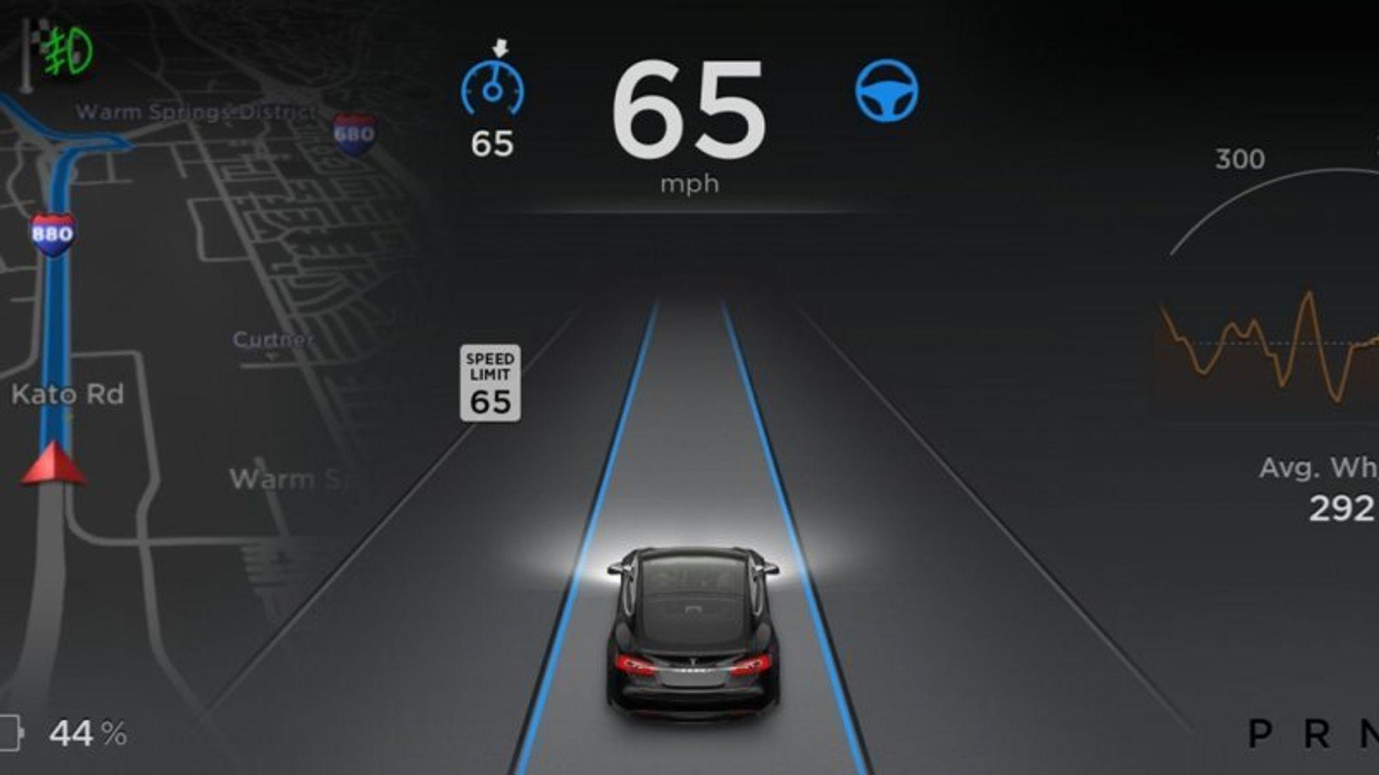 Manglende sikkerhetsforanstaltninger bidro til ulykken i fjor, der føreren av en selvkjørende Tesla omkom i en kollisjon med en trailer.