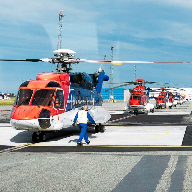 S-92A foran EC225 fra CHC Helikopter Service på Sola. Nå må selskapene klare seg med kun den ene typen.