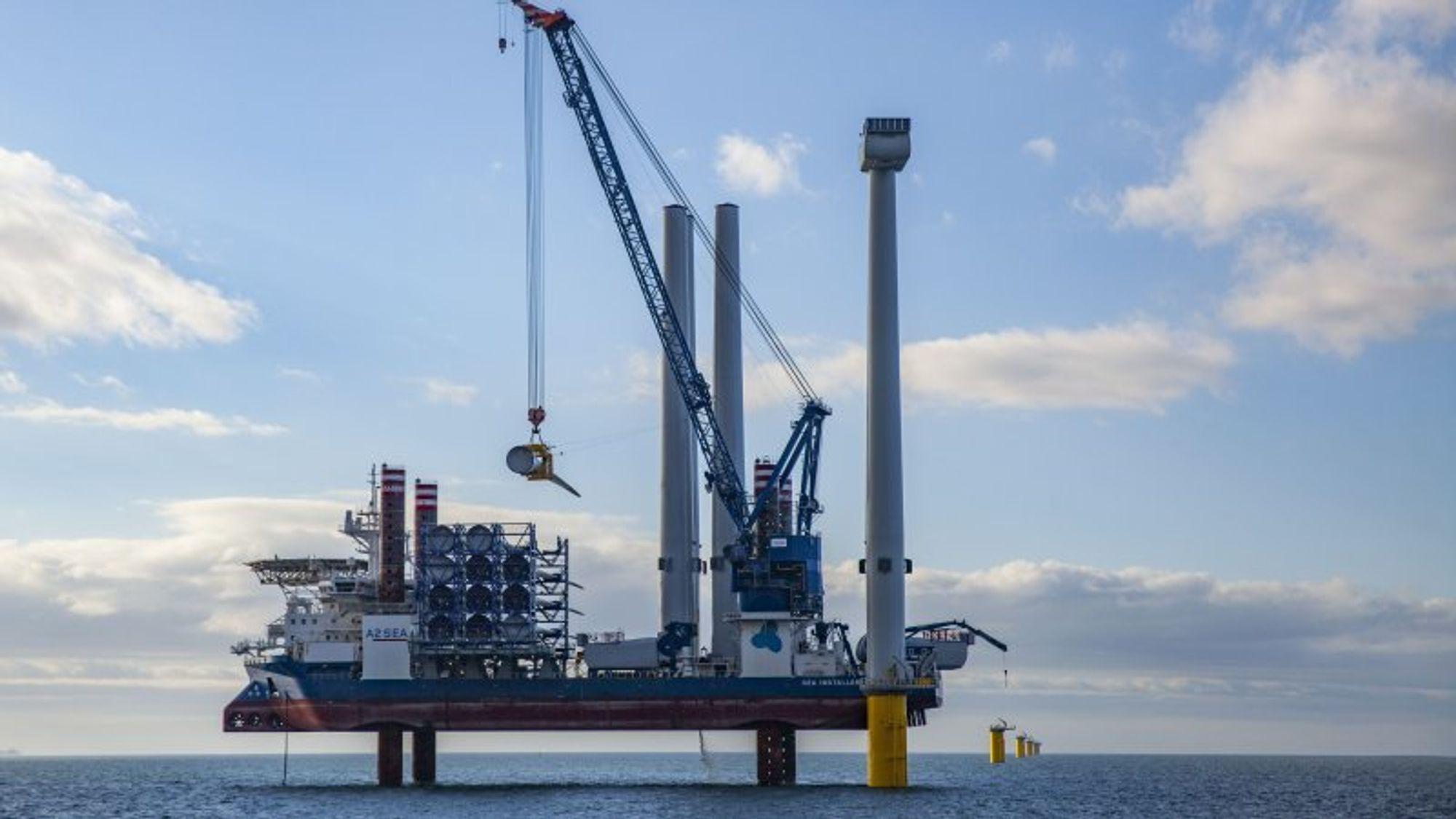 I England viser en britisk budrunde at offshore-vind nå blir billigere enn strøm fra kjernekraftverket Hinkley Point.