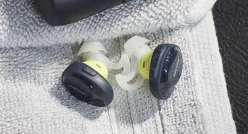 Bose slipper for første gang <em>helt</em> trådløse øreplugger