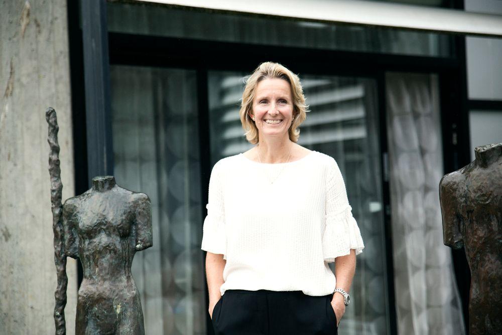 Den mest spennende toppsjef-kandidaten i Eldar Sætres ledergruppe er Irene Rummelhoff, mener Jan M. Moberg.