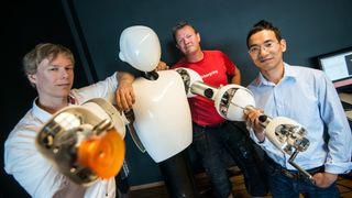Det norske selskapet mener de har knekket koden: Eve er en girløs hjemmerobot for folk flest