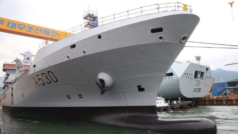 KNM Maud blir Forsvarets største skip noensinne. Men nå er leveransen fra Sør-Korea på nytt utsatt.
