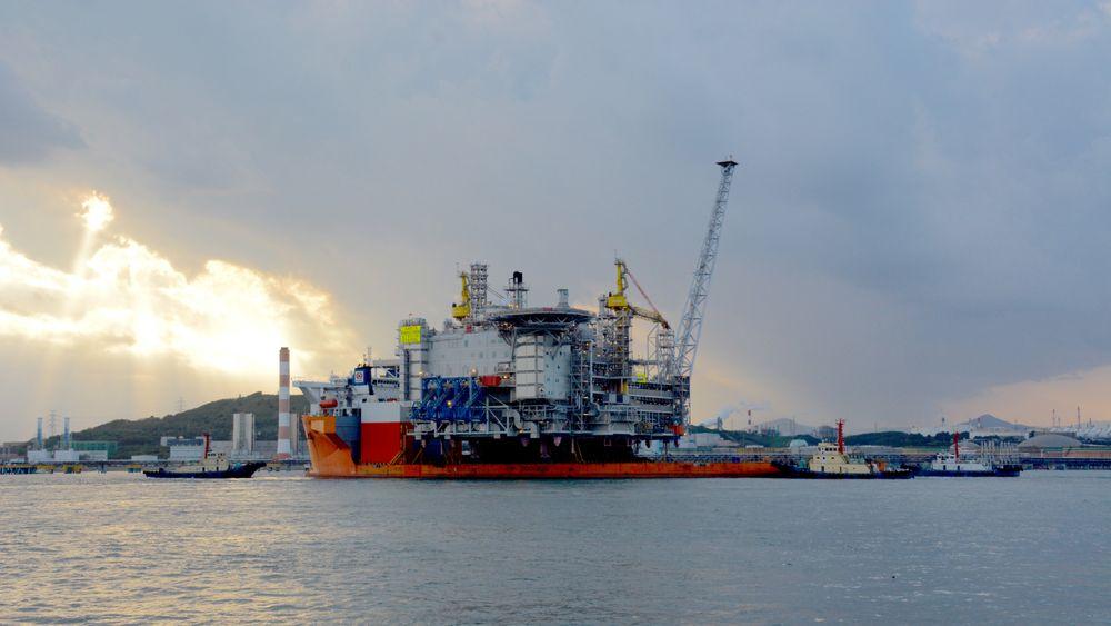Dekket til verdens største plattform av sitt slag på vei til Norge