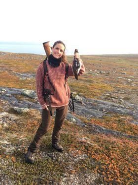 ELSKER JAKT: Etter at Stine Hagtvedt tok jegerprøven, har hun vært ivrig på både små- og storviltjakt. Hun er også aktiv blogger.