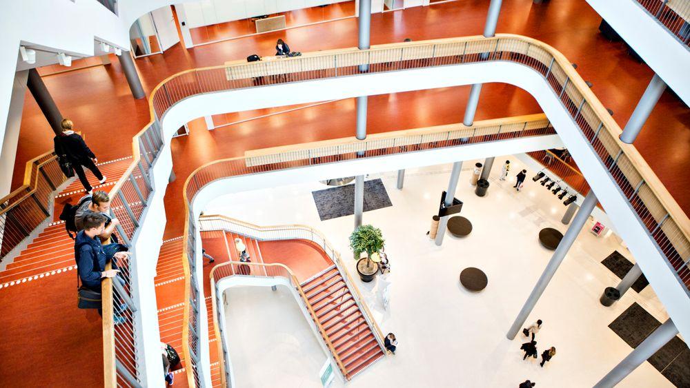 Signalbygget Niagara ved Malmö Högskola skal nå bygges om. Trolig blir det cellekontorer istedenfor åpent landskap med fritt setevalg.