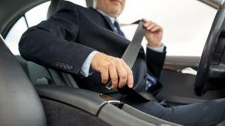 Er det mulig å irritere de siste bilistene som dropper bilbelte akkurat nok til at de tar det på?