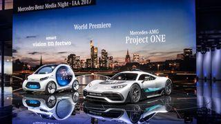 Tysk avis: EU vil innføre krav om å produsere elbiler