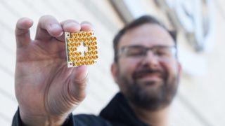 Intels nye brikke skal være et gjennombrudd innenfor kvantedatamaskiner