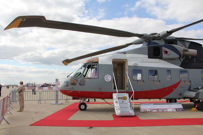 AW101 VVIP ble vist fram på MAKS 2013 i Moskva, da planen fortsatt var at India skulle kjøpe 12 eksemplarer.