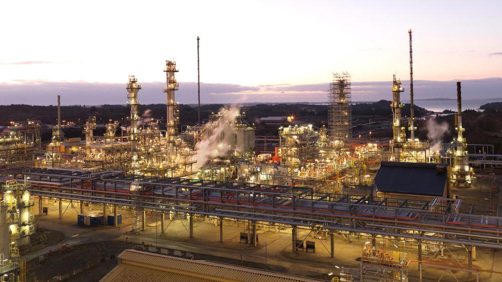 Equinor har lenge tapt penger på gasskraftverket på Mongstad, og har siden 2017 ønsket å legge det ned. På grunn av lang saksbehandling fikk de ikke tillatelse til det før 30. september i år. Så kom korona.