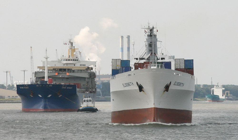 Lasteskip seiler på kontinentet og bunkrer, mens utslippene i stor grad skjer i norske farvann.