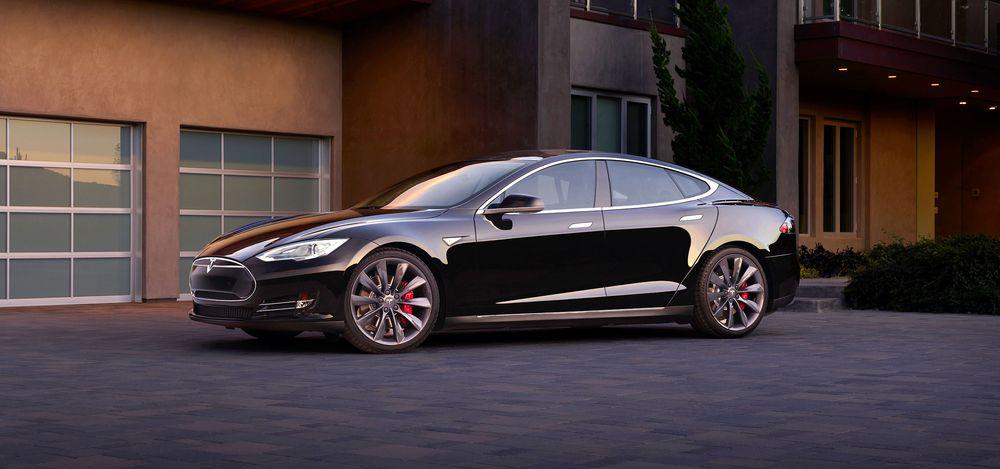 Tesla kunne i en periode vise til sterke salgstall av sin Model S i Danmark. Så ble avgiftsordningen endret...